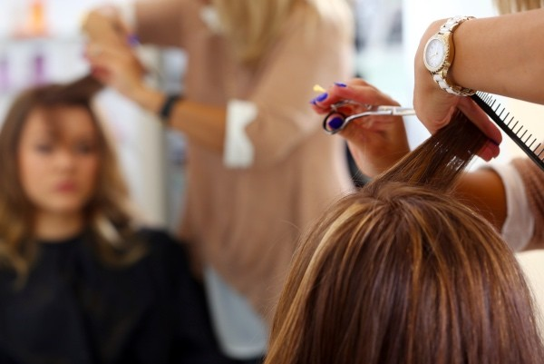 How-to-avoid-a-beauty-salon-disaster-this-Christmas